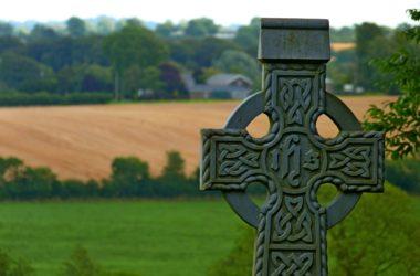 La riduzione della fascia di rispetto cimiteriale è eccezionalmente ammissibile anche per edifici privati