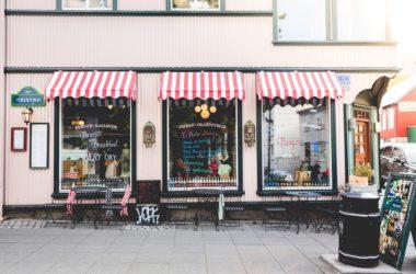 Mancanza di agibilità e chiusura del locale commerciale: comportamenti del Comune
