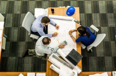 Segnalazioni del confinante su presunti lavori abusivi e comportamenti dell'ufficio tecnico